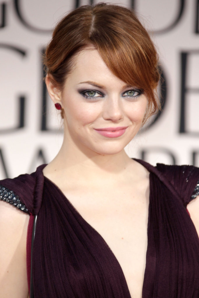The actress paired her plunging neckline gown at the 2012 Golden Globes with a complementing deep purple smoky eye.