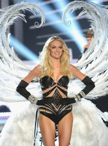 Lindsay Ellingson walked on the runway in NYC.