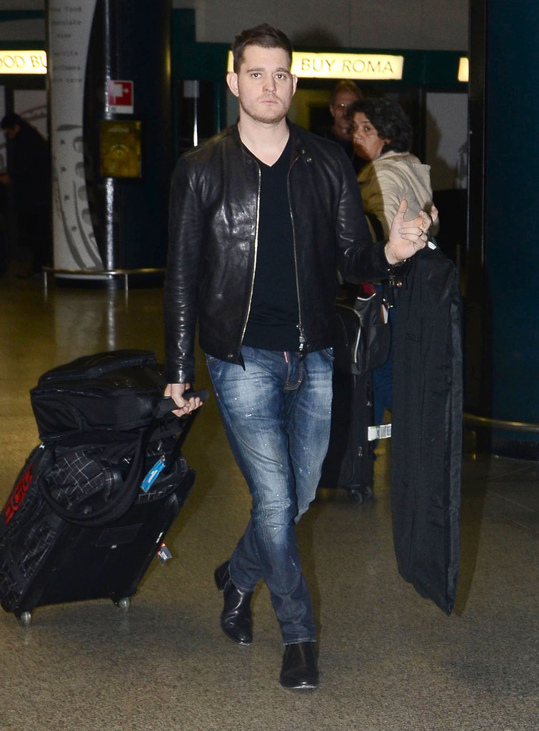 Michael Bublé wore a leather jacket.