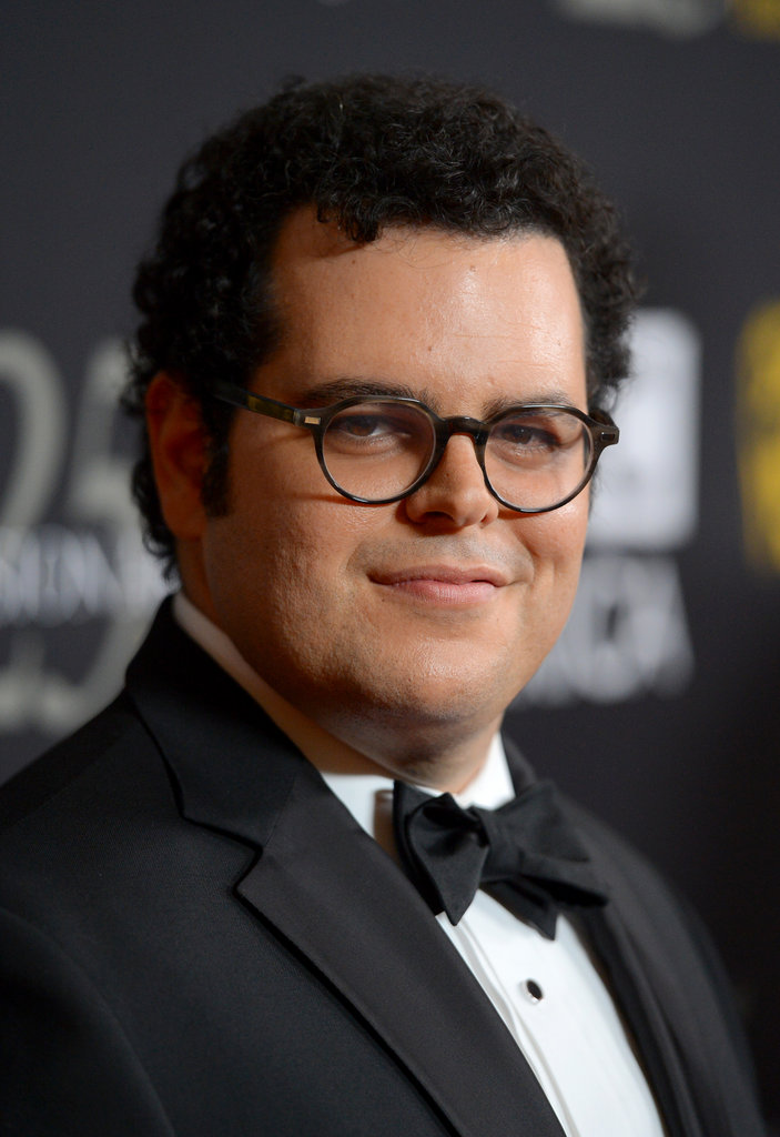 Josh Gad smiled for the camera on the red carpet.