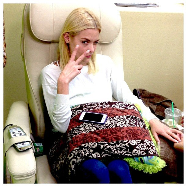 Jaime King got her nails done. Source: Instagram user justjustinnyc