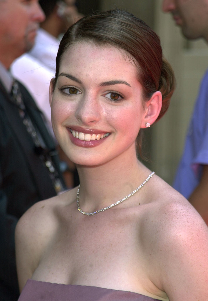 Anne's breakout role required her to seem clueless about style, but the actress arrived at The Princess Diaries premiere looking like a pretty young Hollywood star with her natural makeup and simple updo.
