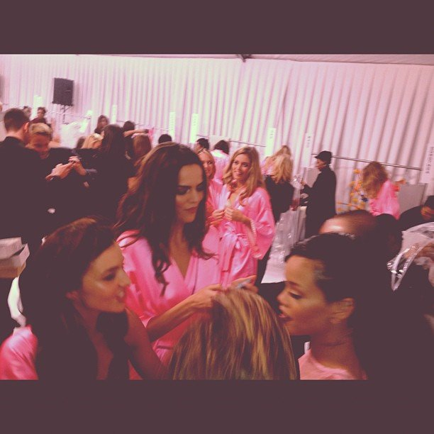 Rihanna hung out with VS models backstage (including Miranda Kerr, left)! Source: Instagram user badgalriri