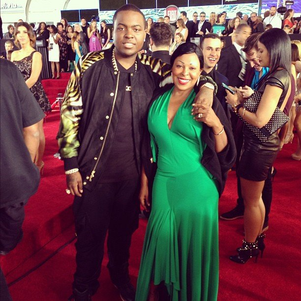 Sean Kingston posed for a photo with his mum. Source: Instagram user badmonkingston