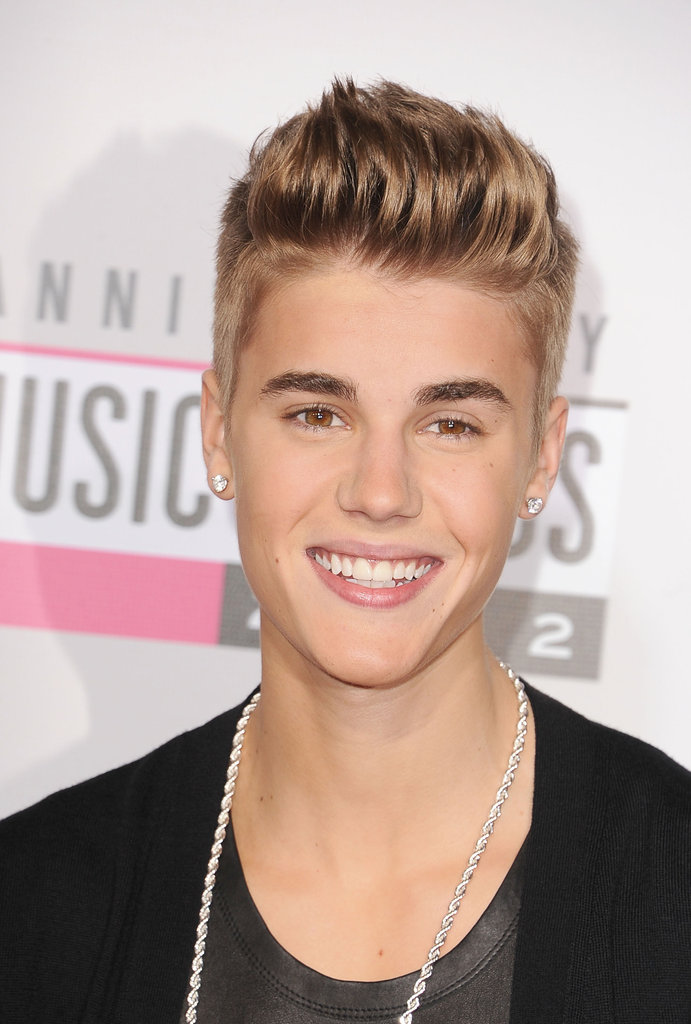 Justin Bieber smiled at the American Music Awards.