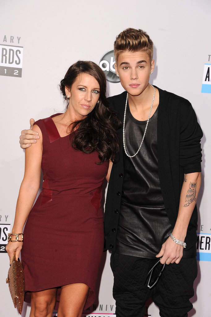 Justin Bieber posed with his mom Pattie Mallette at the American Music Awards.