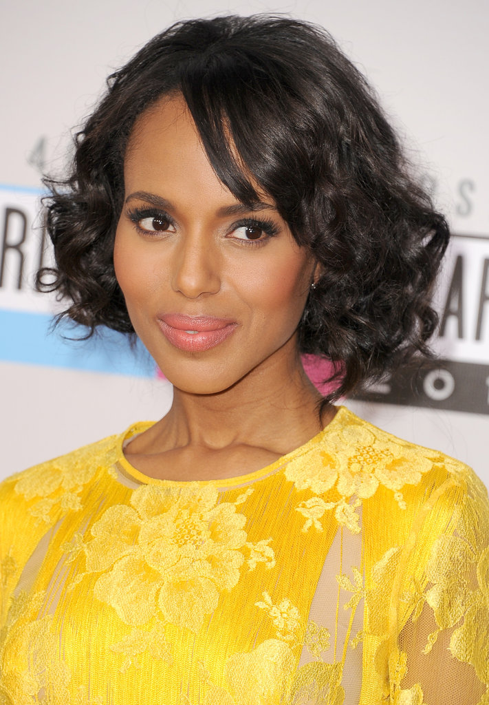 Kerry Washington smiled at the American Music Awards.