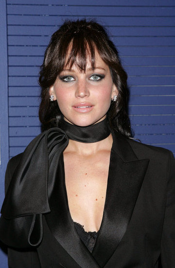 Jennifer Lawrence wore a black scarf around her neck.