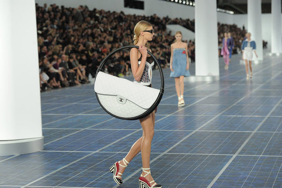 Chanel&#039;s Hula Hoop Bag
