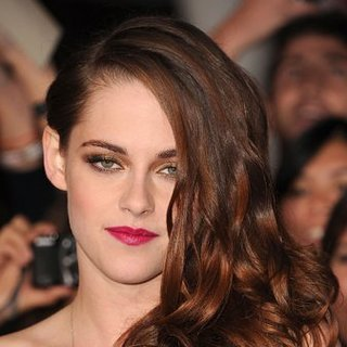 Kristen Stewart's Twilight Breaking Dawn Beauty Look