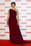 Penelope Cruz wore a burgundy one-shouldered dress.