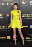 Kristen Stewart Packs a Neon Punch on Breaking Dawn's Black Carpet