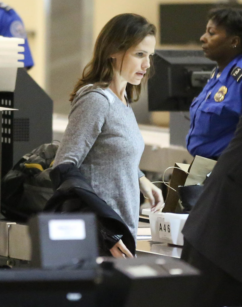 Jennifer Garner caught a plane.