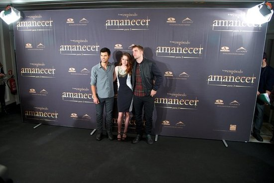 Taylor Lautner, Kristen Stewart and Robert Pattinson attended the Breaking Dawn — Part 2 photo call in Madrid.