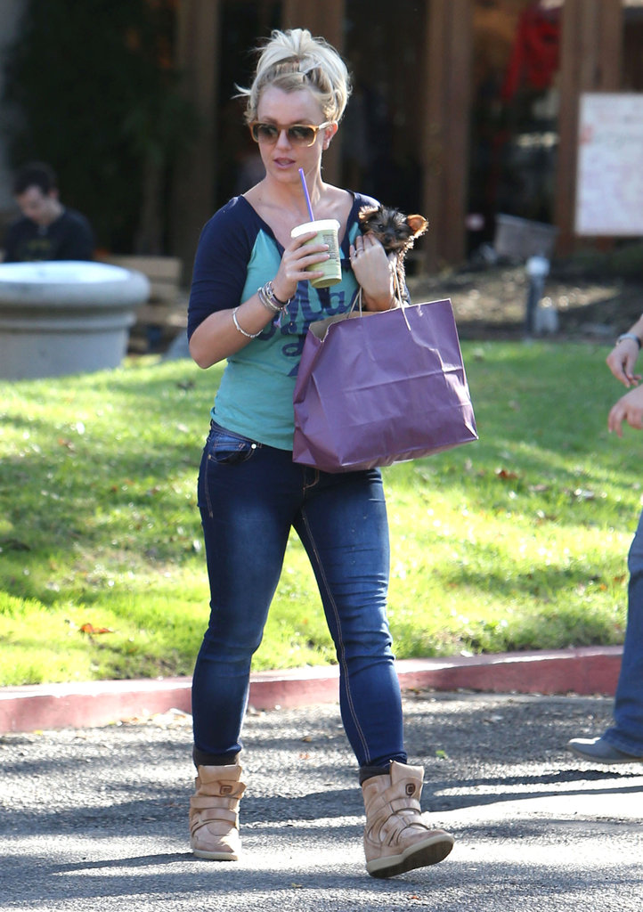 Britney Spears sipped a cold drink.