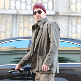 Ben Affleck Goes Shopping in Beverly Hills | Pictures