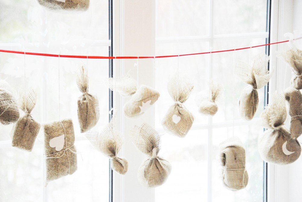 DIY: Funkytime's Burlap Packages