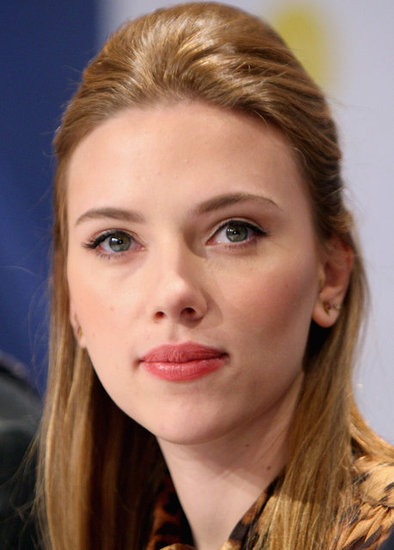 Scarlett looked fresh-faced with a high-volume half-updo at a press conference in 2008.