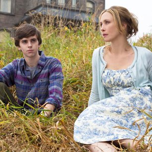Vera Farmiga in Bates Motel Picture