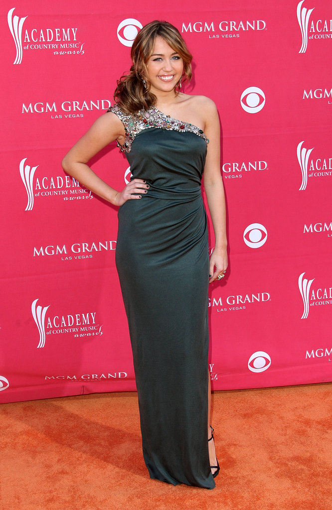 Miley went glam for the Annual Academy of Country Music Awards in Apr. 2009 in Las Vegas.