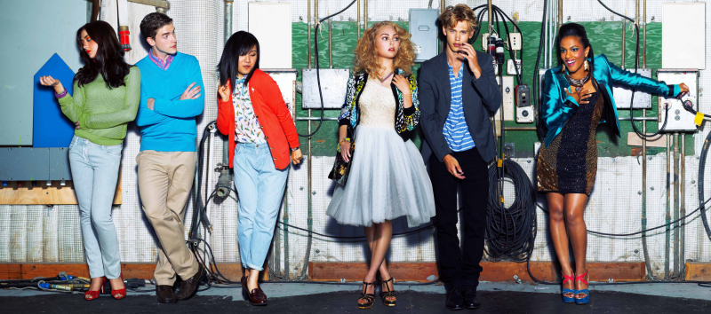 The cast of The Carrie Diaries.