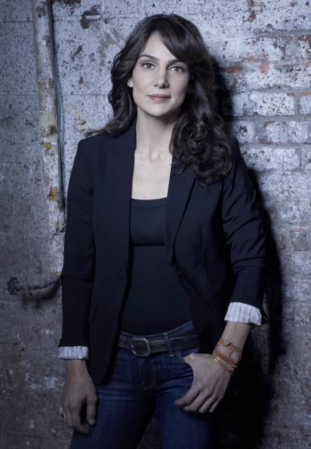 Annie Parisse as FBI Specialist Debra Parker in The Following.