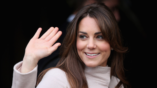 "Video: Kate Middleton's ""Not Sure"" About Her New Hairstyle in Cambridge!"