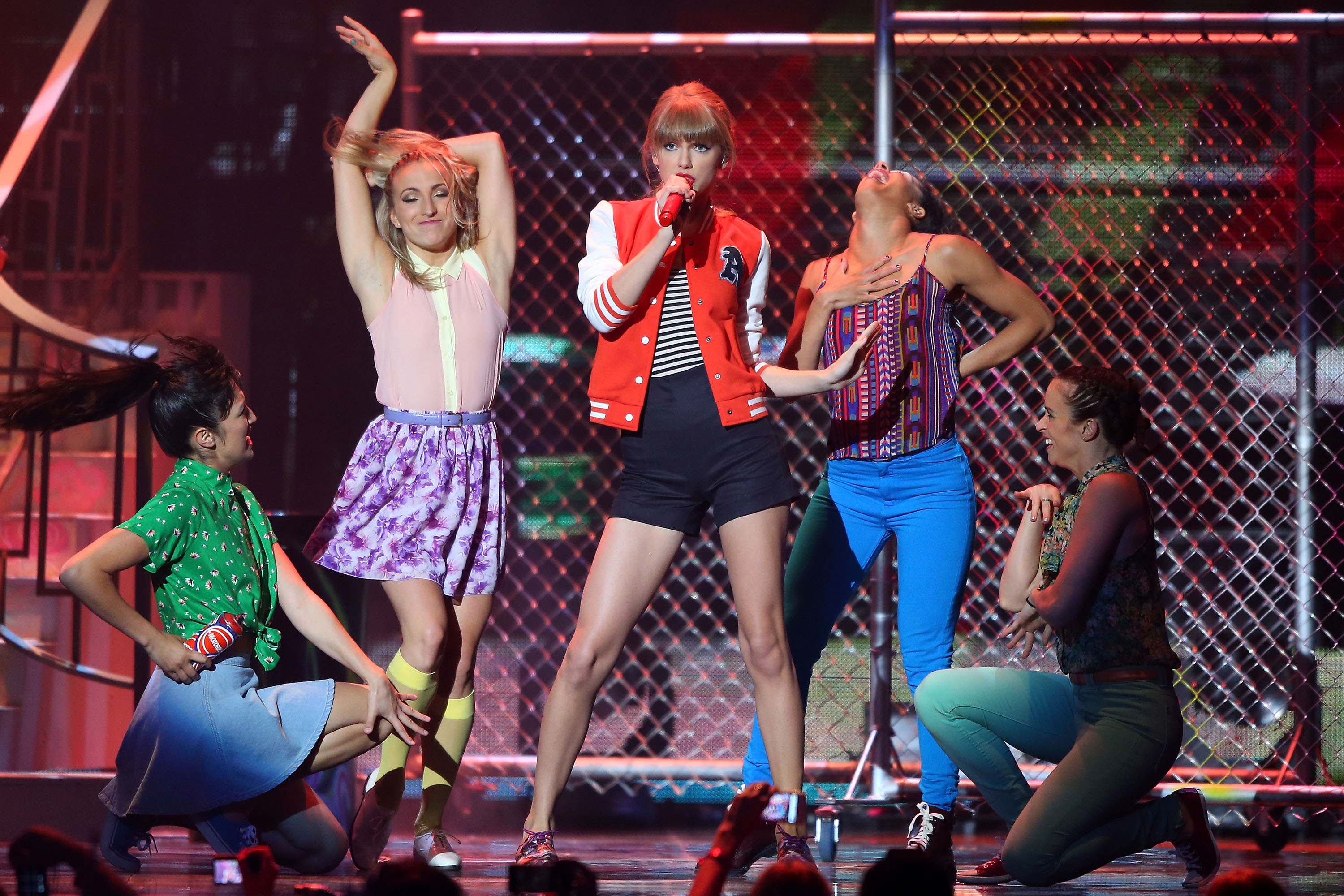 Taylor Swift performed onstage.