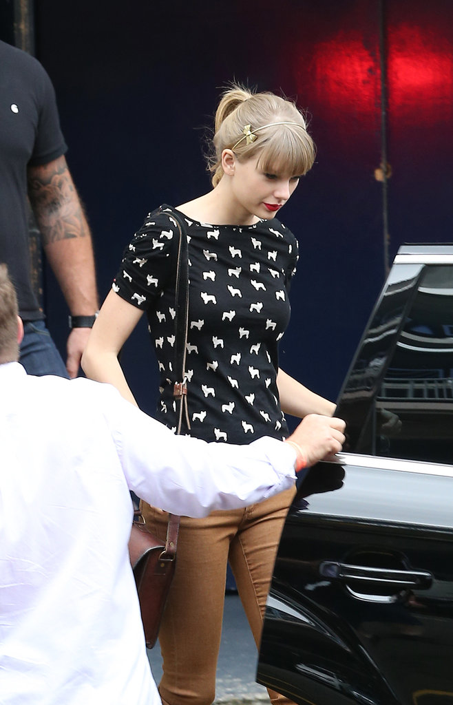 On Nov. 27 Taylor was spotted leaving the Sydney Entertainment Centre after ARIAs rehearsals.