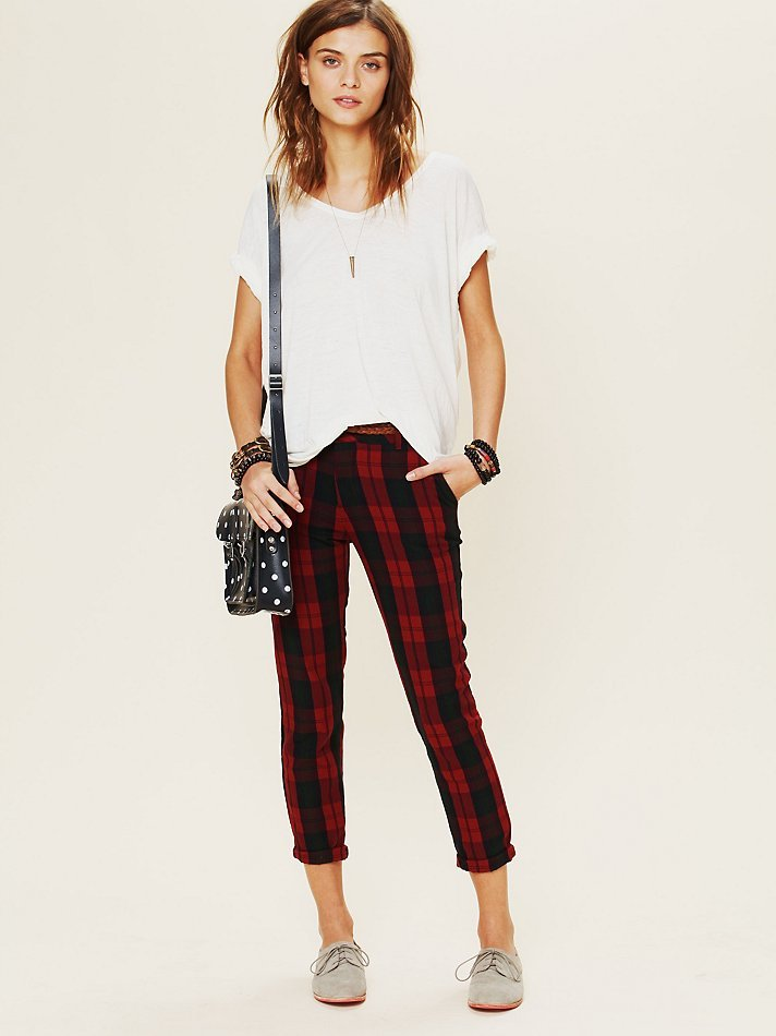 This Rails Plaid Slouchy Trouser ($158) is the epitome of a laid-back classic. Because of the slimming silhouette paired with a no-fail red tartan finish, you can wear this year-round, but we love it right now for its festive appeal.