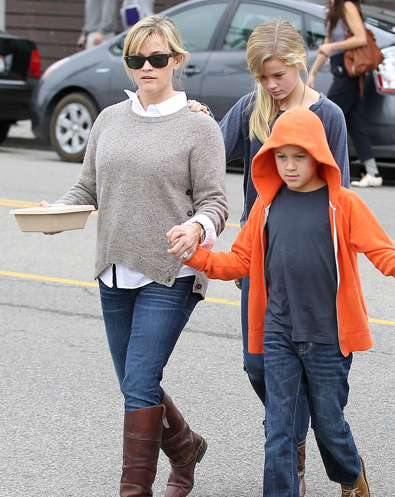 Reese Witherspoon had breakfast with her kids Ava Phillippe and Deacon Phillippe in LA.