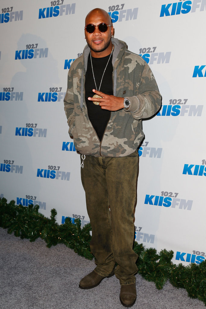 Flo Rida hit the carpet before his performance.