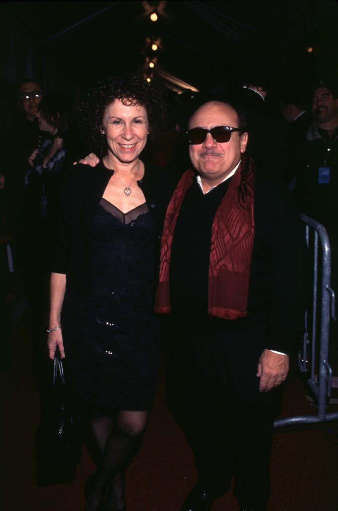 Danny DeVito and Rhea Perlman, 1998
