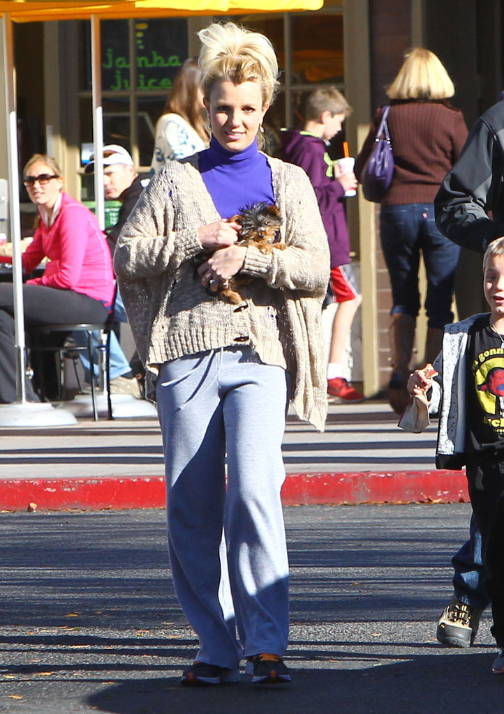Britney Spears had a smile on her face for a Starbucks stop.