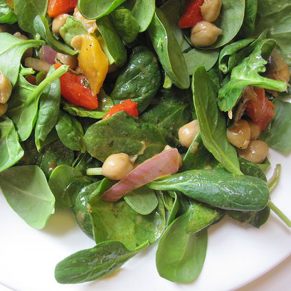 Chickpea, Red Pepper, and Spinach Salad