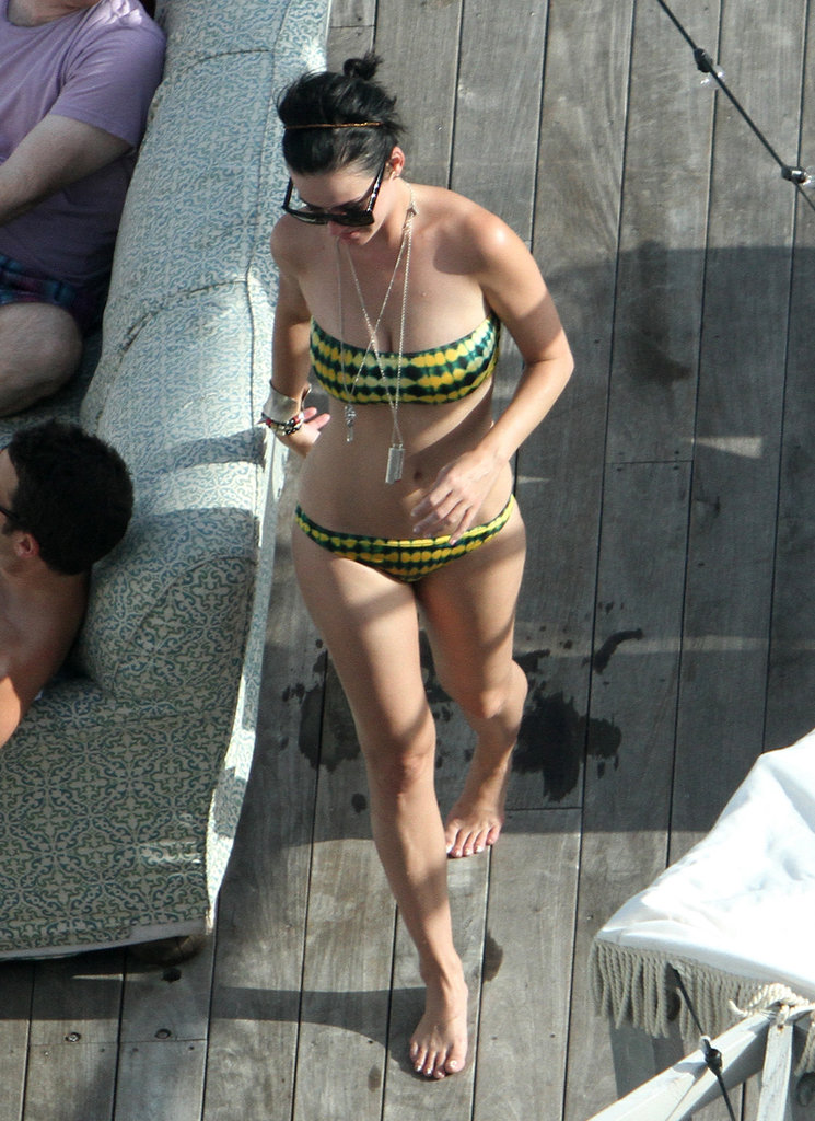 Katy Perry looked great in her printed bikini while spending time with friends in Miami this July.