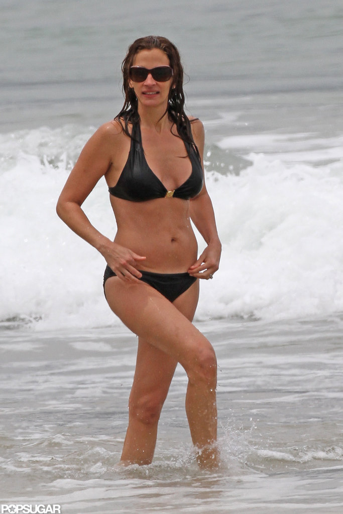 Julia Roberts looked amazing in her bikini during a Hawaiian vacation in April.