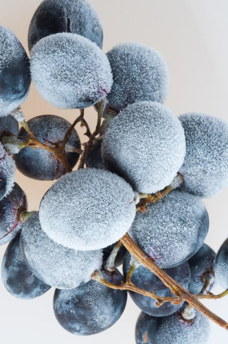 Chill Wine With Frozen Grapes