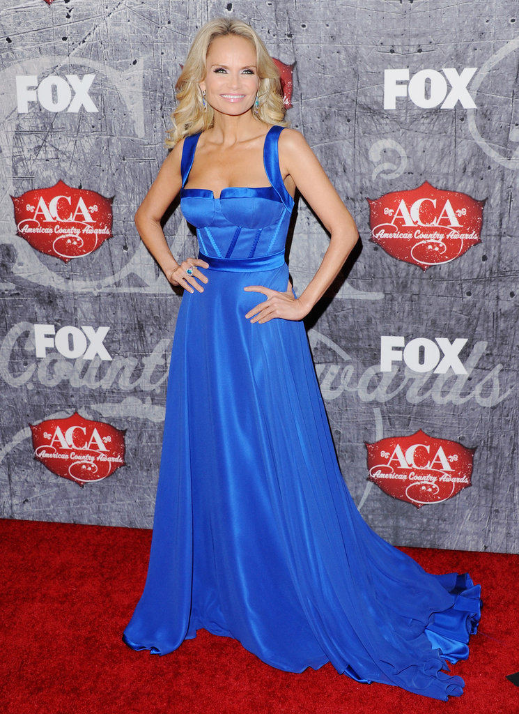 Kristin Chenoweth stuck a pose on the red carpet.