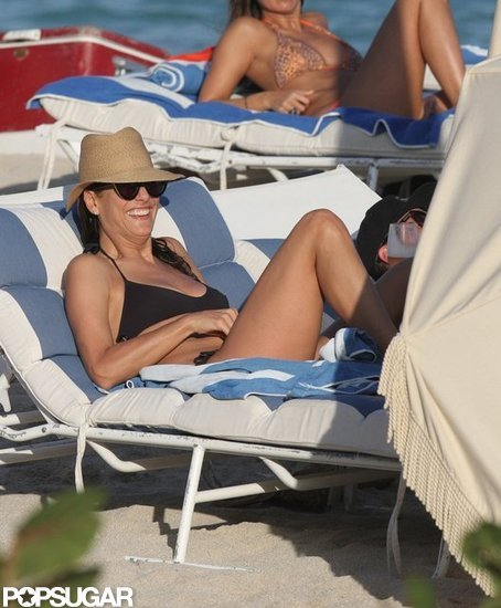 Kate Walsh relaxed with friends at the beach.