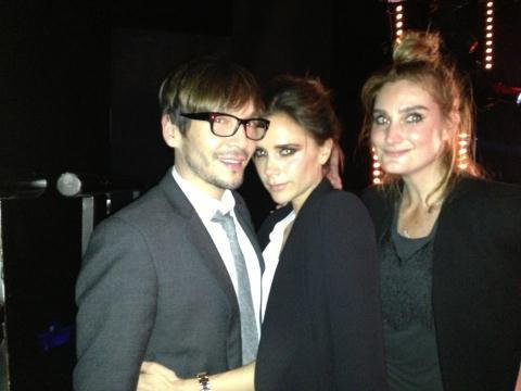 Victoria Beckham hung out with hairstylist Ken Paves. Source: Twitter user victoriabeckham
