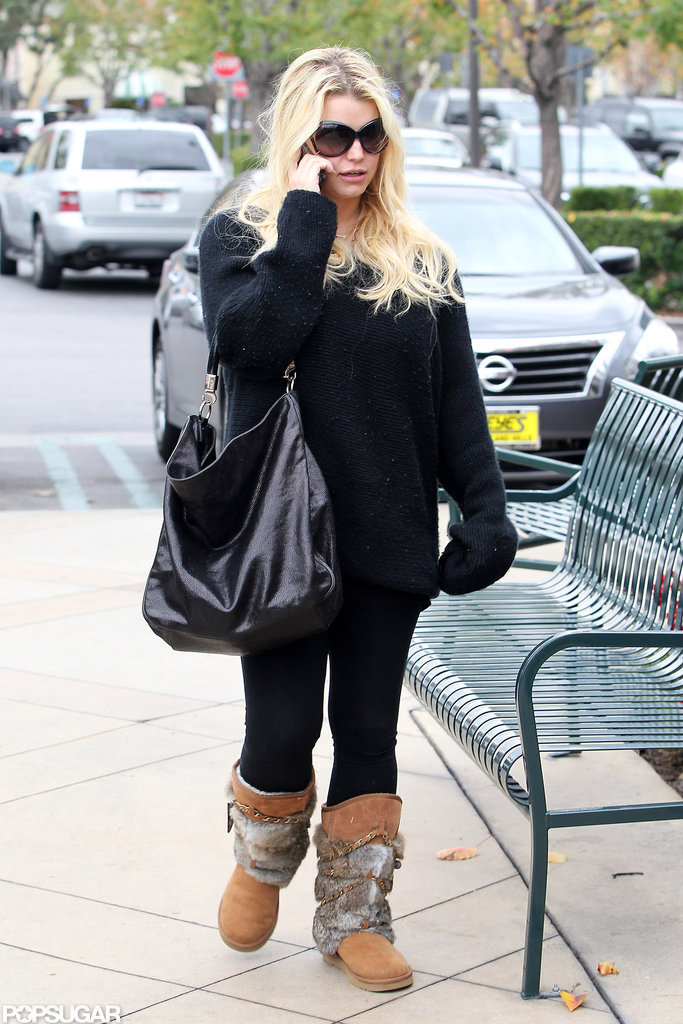 Jessica Simpson stepped out in all black.