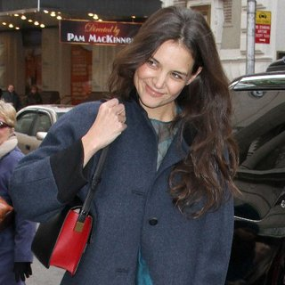 Katie Holmes on Broadway in NYC | Pictures