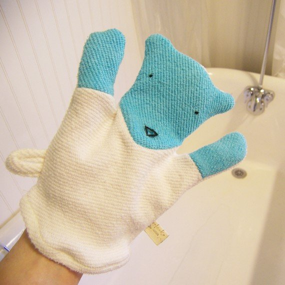 Ecoleeko Polar Bear Washcloth Mitten ($14)
