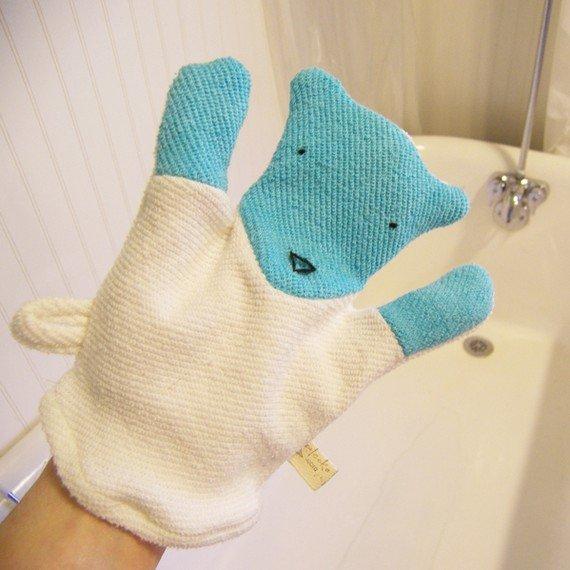 Ecoleeko Polar Bear Washcloth Mitten ($14)