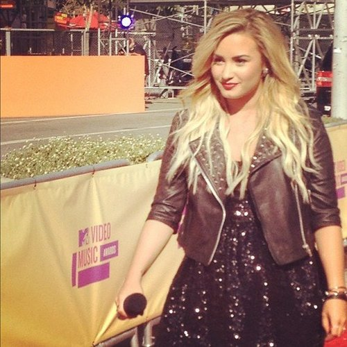 We had an up-close and personal view of Demi Lovato's MTV VMAs preshow performance.