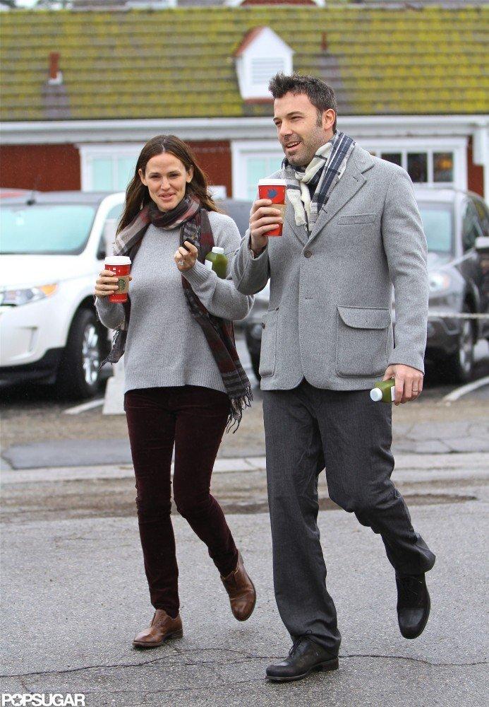 Ben Affleck and Jennifer Garner strolled with their coffee.