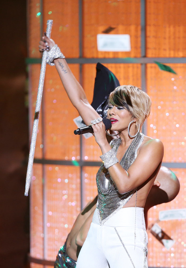 Keri Hilson performed at VH1 Divas.