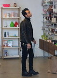 Justin Theroux examined household items.