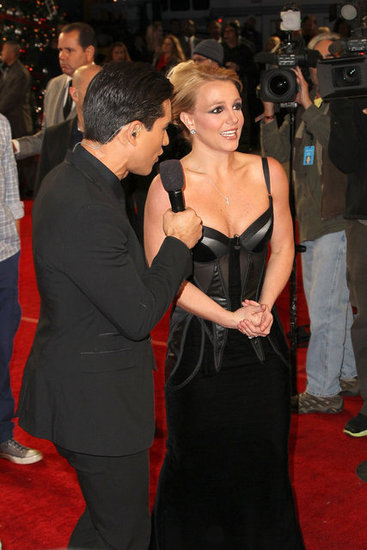 Britney Spears talked to Mario Lopez on the red carpet before the show.